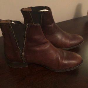 Frye Chelsea Boots 👢
